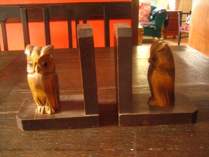 nostalgische vintage Buchstützen Eule Uhu Käutzchen Glas Augen Holz geschnitzt