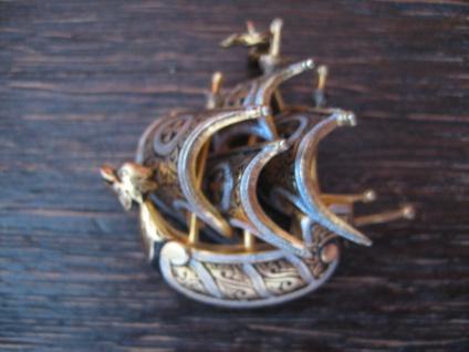 originelle Vintage Brosche Segelschiff Dreimaster Santa Maria plastisch gold