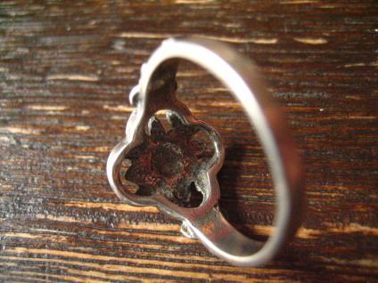 bezaubernder antiker Trachten Dirndl Ring 835er Silber rote Koralle Blüten Dekor - Vorschau 4