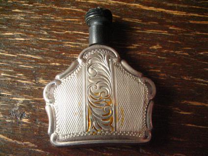 bezauberndes Jugendstil Riechfläschchen Parfümflacon Fläschchen 800er Silber - Vorschau 1
