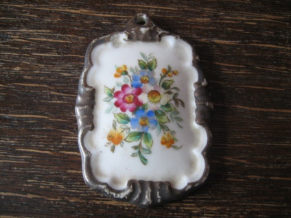 vintage Miniaturmalerei Porzellanmalerei Anhänger Blumenstrauß Blumenbukett