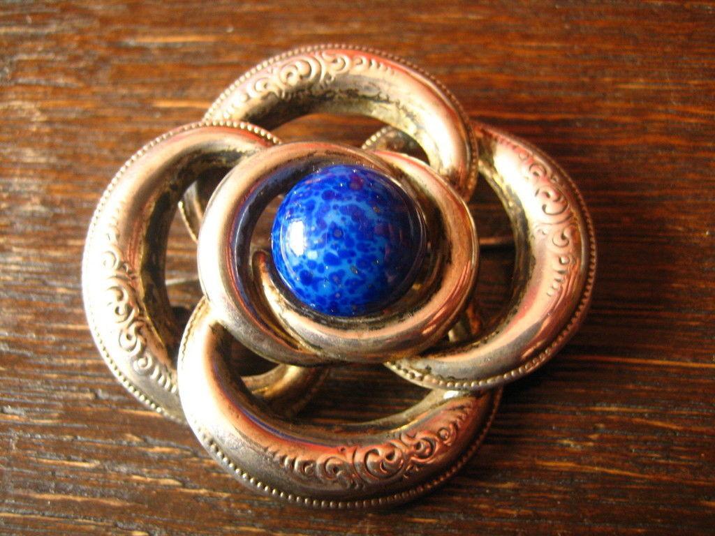 traumhafte Biedermeier Brosche 800er Silber getrieben Stein Blau Blumen Motive
