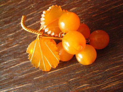 Art Deco Bernstein Brosche Traube Weintraube Rebe Weinlaub Butterscotch Amber