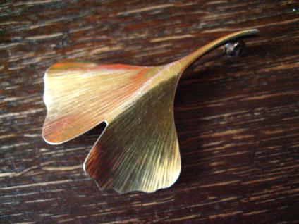 geschmackvolle Gingko Ginkgo Blatt Brosche 800er Silber gold fein ausgearbeitet