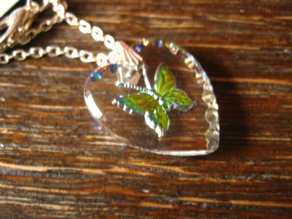 reizender Vintage Herz Anhänger mit Schmetterling an Kette Tracht Dirndl Kinder - Vorschau 3