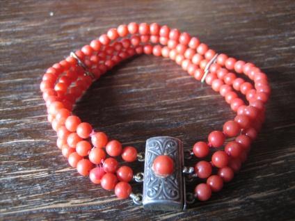 traumhaftes Art Deco Armband echte Rote Koralle ungefärbt Schmuckschließe 800er