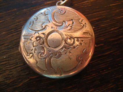 bezauberndes Jugendstil Medallion 800er Silber auf beiden Seiten graviert Art Nouveau Locket - Vorschau 2