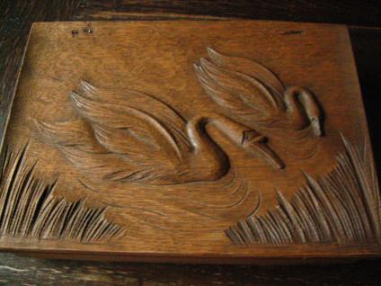Prächtige antike Kiste Schatulle Nähkästchen Schwan Schwäne geschnitzt Eiche Holz
