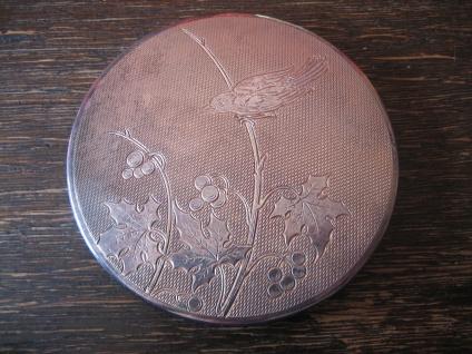 herrliche versilberte Vintage Puderdose mit Spiegel Vogel Motiv silber Art Deco
