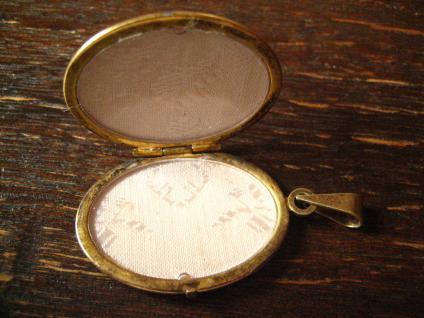 klassisches Jugendstil Medallion Anhänger mit Wappen verziert 835er Silber gold - Vorschau 3