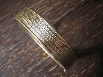 zeitlos eleganter Art Deco Armreif dezentes Muster gold Double Klappscharnier - Vorschau 2
