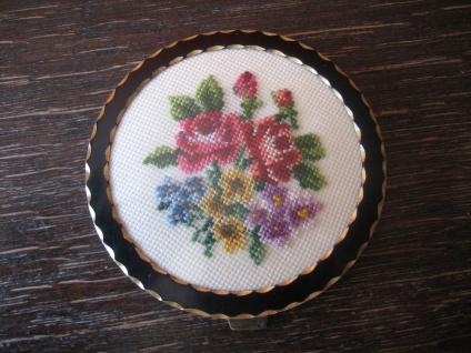 herrliche Vintage Puderdose Spiegel Taschenspiegel gold Petit Point Stickerei