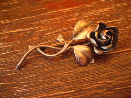 sehr dekorative antike Rosen Brosche Rose vollplastisch 800er Silber signiert - Vorschau 1