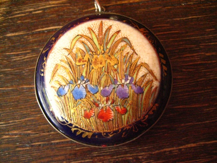 großer Jugendstil Anhänger feinste Miniaturmalerei Lupenmalerei Iris Emaille