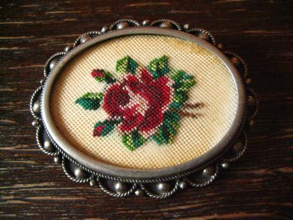 aufwändige antike Rosen Brosche Rose Petit Point Stickerei silber Handarbeit