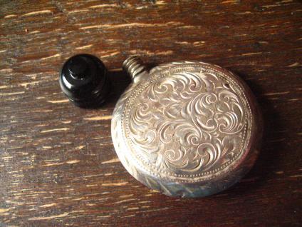 reizendes Jugendstil Riechfläschchen Parfümfläschchen Fläschchen 800er Silber - Vorschau 1