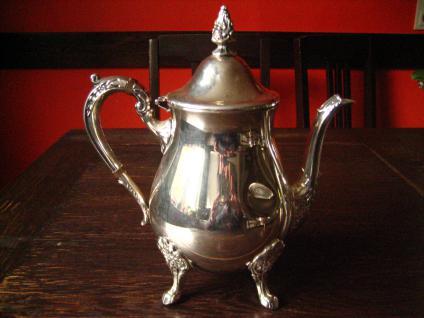 stilvolle vintage Teekanne Silberkanne wunderschön verziert auf Füssen silber pl