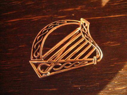 geschmackvolle gold schimmernde Bronze Brosche Harfe Irland Kelten LARP Barde - Vorschau 2