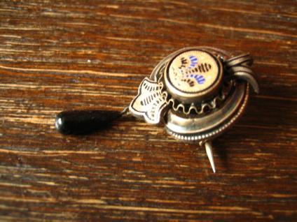 zauberhafte Biedermeier Brosche Emaille Silber Schaumgold bewegliche Pampel 1830 - Vorschau 2