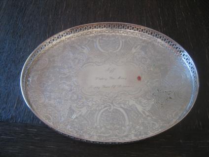 elegantes Silbertablett Galerietablett Tablett silber pl Barker Ellis oval 28 cm