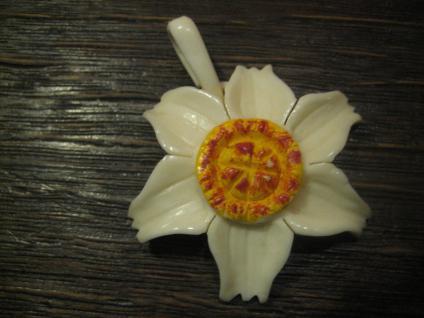 Passionsblume Anhänger Blüte Bein geschnitzt Erbach Trachtenschmuck Dirndl