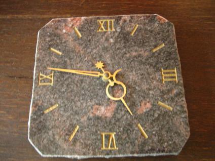seltene große Wanduhr Mineralienuhr Edelsteinuhr Kienzle Quarz Werk Porphyr Uhr