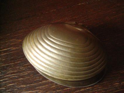 traumhaft schöne große Dose Schatulle Döschen in Muschel Auster Form Messing
