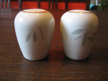Paar schnuckelige Vintage Salz- und Pfefferstreuer 60er Jahre Sixties Porzellan