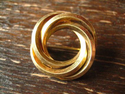 zauberhafte Art Deco Brosche gold verschlungener Knoten Kranz zeitlos und edel