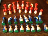 super schöne ausgefallene antike vintage Schachfiguren aufwändig von Hand bemalt