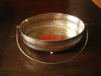 prächtiger Tafelaufsatz Silberschale Schale Galerierand Füsse silber pl England