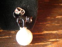 bezaubernd Katze auf Perle sitzend Schwarzer Kater 925er Silber Emaille Anhänger
