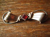 elegante Art Deco Krawattennadel Stabbrosche Brosche 800er Silber granat Stein