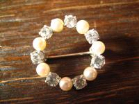 bezaubernde Art Deco Kranz Brosche Perlen Zirkonia 835er Silber signiert