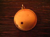 klassisch nostalgisches Jugendstil Medallion Anhänger rotgold rubin Stein rund