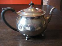 schnuckelige Silberkanne Teekanne Teapot auf Füssen silber pl England Dekotraum