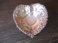 bezaubernde antike kleine Herz Etagere Bonboniere Schale silber plated England