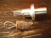 stilvoll für die Hausbar Flaschenverschluss mit Ausguss und Korken silber pl