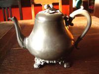 uralte traumhaft schöne Jugendstil Teekanne aus England very shabby Atkin Broth.