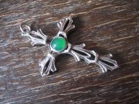 sehr schöner Art Deco Kreuz Anhänger 925er Silber grüner Stein 4, 5 x 3, 2 cm