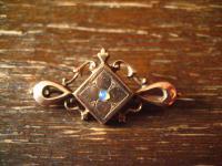 edle Jugendstil Brosche tolle Form fein verziert Opal Walzgold rotgold Doublé