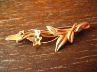 feine Jugendstil Brosche 375er Rotgold (9 Karat) aus England Blumen super schön