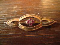 elegante Jugendstil Brosche gold rubin Steine tolle Form Walzgold gold Doublé