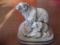 große Figurengruppe Eisbär mit Jungen Steingravur Lava Lavastein Skulptur