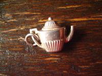 zuckersüsse winzige Queen Anne Teekanne als Bettelarmband Anhänger 925er Silber
