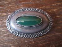 prächtige Jugendstil Brosche 800er Silber grüner Achat getrieben Handarbeit