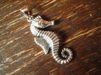 super niedlicher Seepferdchen Anhänger auch für Kinder 925er Silber patiniert Charm