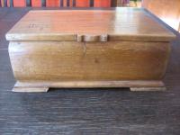 Prächtige antike Kiste Schatulle Holz Eichenholz Reiter Pferd für Medaillen