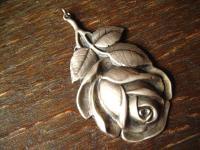 traumhaft schöner großer Jugendstil Anhänger Rosen 800er Silber Rose getrieben