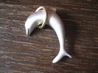 hochwertige Vintage Modeschmuck Brosche spielender Delfin Delphin Dophin silber